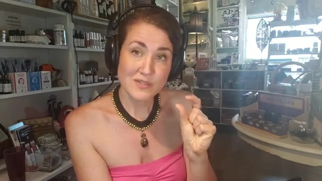 Amandha Vollmer on Robyn Openshaw's Vibe Podcast – Live FB Version