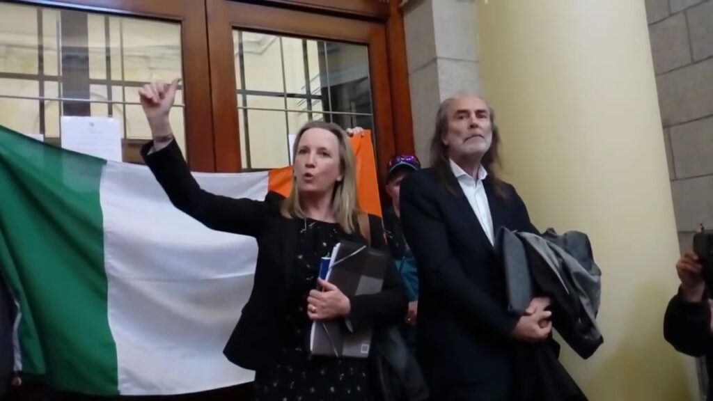 Gemma O'Doherty & John Waters At The High Court Dublin 21-4-2020 – CITIZENS ARMY UNITE!